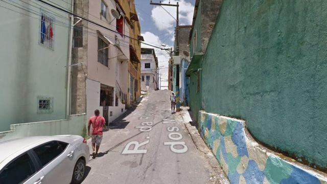 Vista da rua Revolução dos Malês em Salvador, Bahia