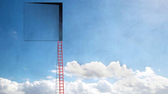 Porta no ceu com escada