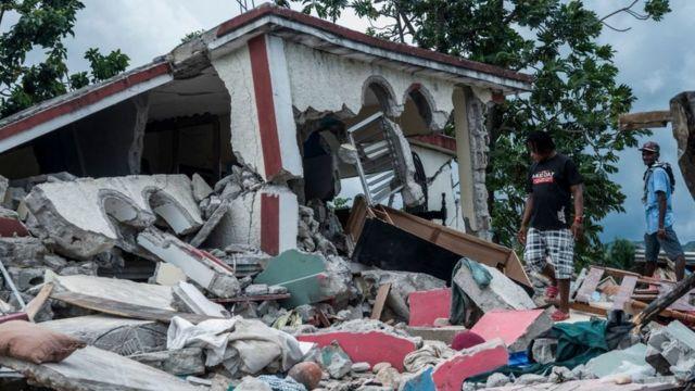 Viviendas dañadas por el terremoto del 14 de agosto