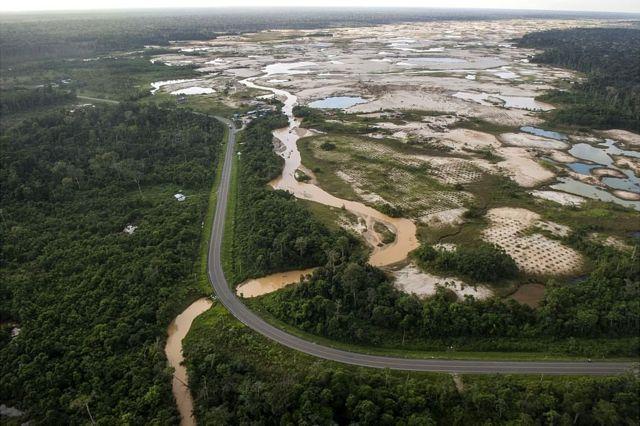 Deforestación en La Pampa, en la zona de amortiguamiento de Tambopata.