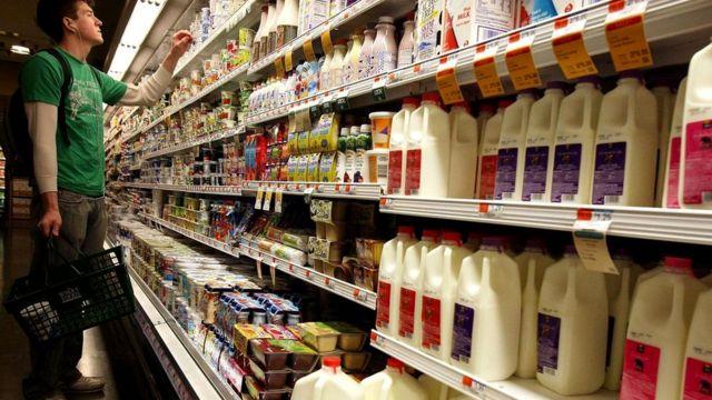 Возможно, это банальность, но то, что вы кладете в корзинку в супермаркете, имеет важные последствия для вашего здоровья и продолжительности вашей жизни