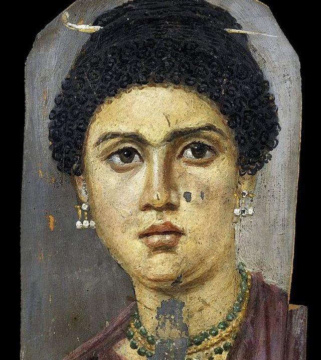 Retrato de Demos, una joven que murió a los 24 años. De El-Fayum. Ahora en el Museo Egipcio de Cairo.