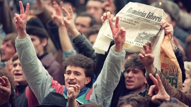 با اعدام چائوشسکو نظام کمونیستی در رومانی سرنگون شد