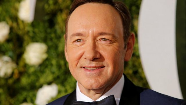 Kevin Spacey ao chegar ao Tony Awards, em Nova York