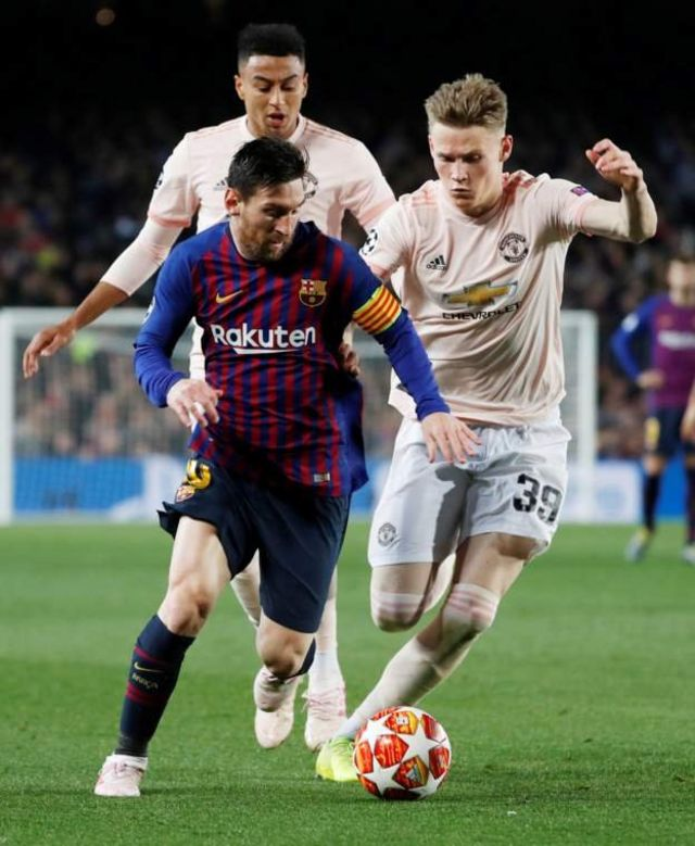 Messi na wachezaji wa Manchester United