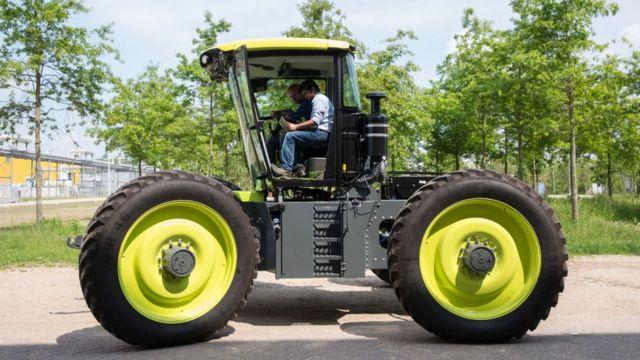 Трактор на водородном топливе