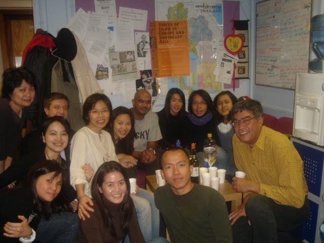 เจมส์ เซลส์ และพนักงานบีบีซีไทย ในอดีต