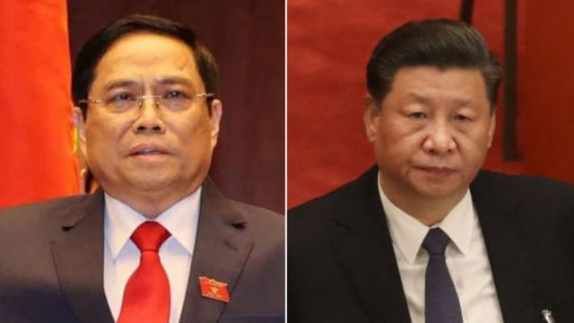 Ông Phạm Minh Chính (trái)