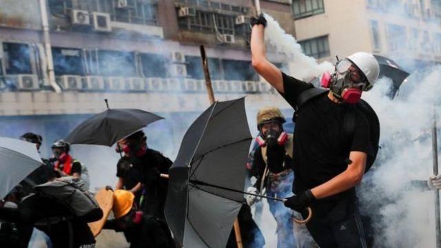 Уличные столкновения