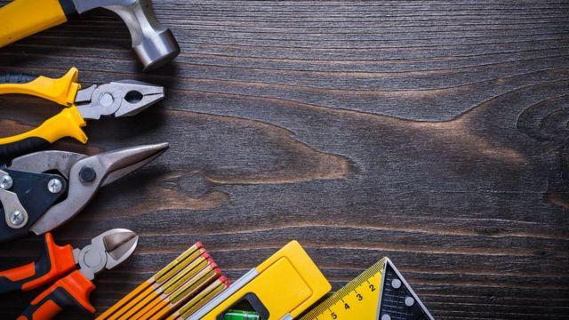 Desde llaves inglesas hasta utensilios de jardín, todo puede limpiarse en el lavavajillas, siempre que no sea de madera.