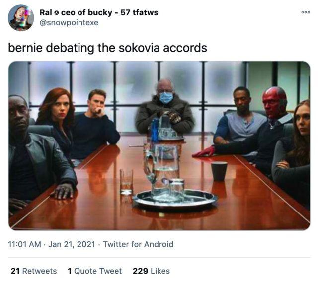 Твит с Берни и Мстителями