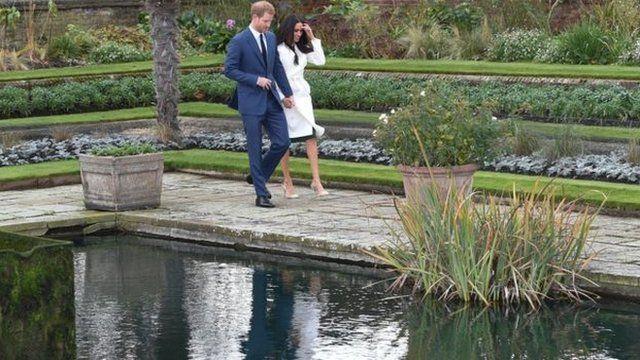 哈里王子與馬克爾在肯辛頓宮的低地花園(Sunken Garden)與媒體見面。