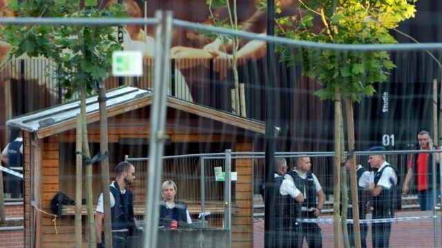Полиция на месте нападения