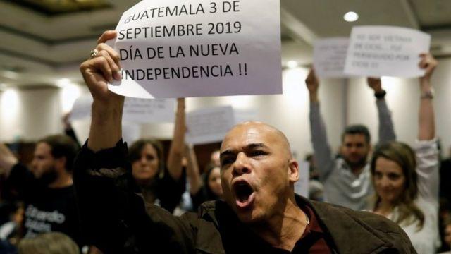 Protestas en la presentación del informe de la Cicig