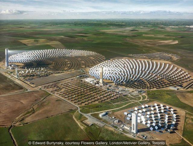 2013年,西班牙塞維利亞,PS10太陽能發電廠。