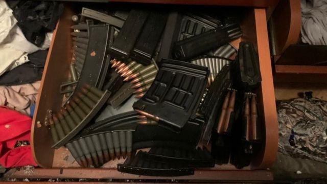 оружие, которое нашли в доме стрелка