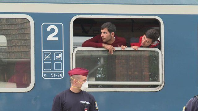 Migrants peacefully aboard train in Magyarbóly