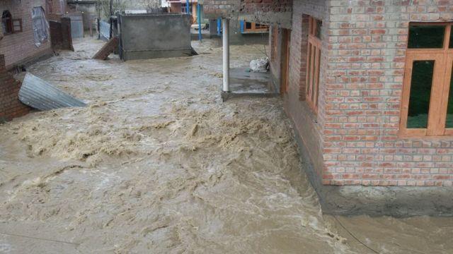 बाढ़ की तस्वीर