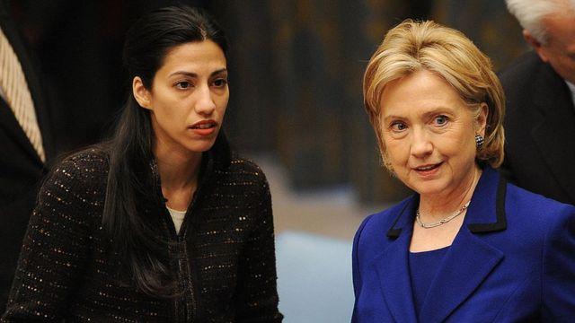 Hillary Clinton y su funcionaria de confianza Huma Abedin en New York.