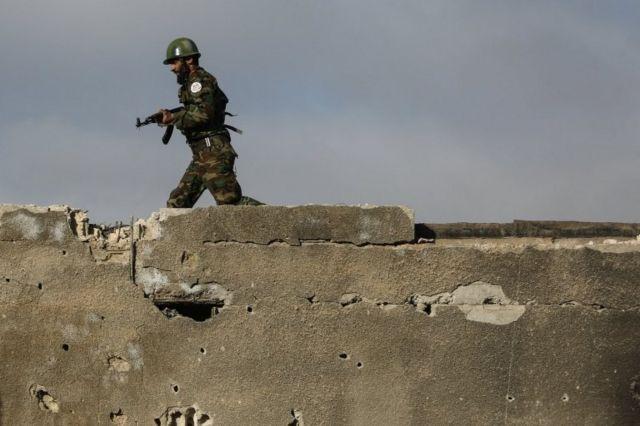 مقاتل من جيش الاسلام