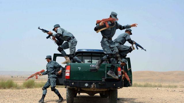 ماموران پلیس