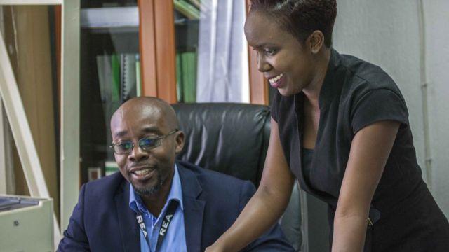 جاستین ماکوزا، رئیس خانم مازیمبا از این قانون حمایت میکند