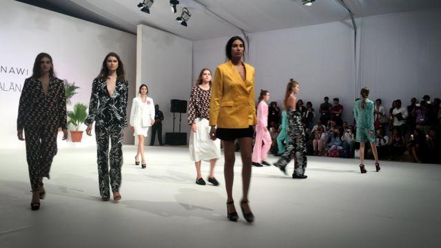 Dubayda moda nümayişi