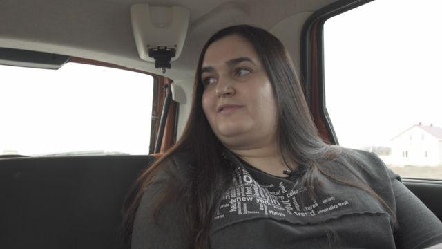 Практически каждый день Алина ездит по деревням Смоленской области и пытается помочь семьям в беде