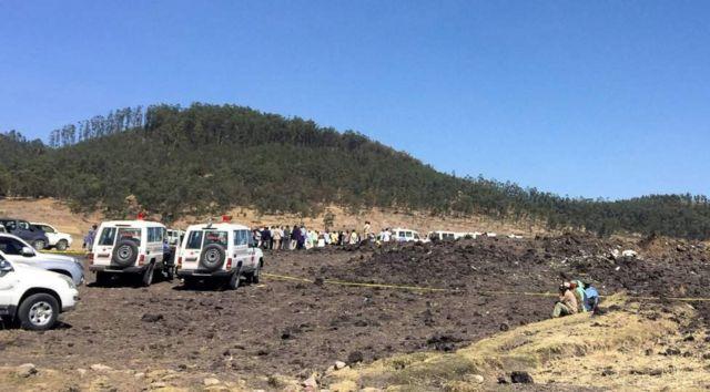 Shughuli za uokozi zikiendelea kwenye eneola tukio la ajali ya ndege ya Ethiopian Airlines Boeing 737