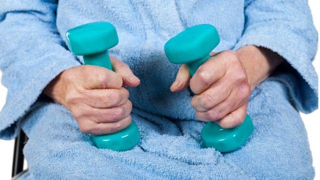 Korišćenje tegova za vežbanje mišića