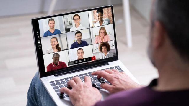 كيف نتخلص من الآثار السلبية للاستخدام المكثف للأدوات الرقمية في العمل؟
