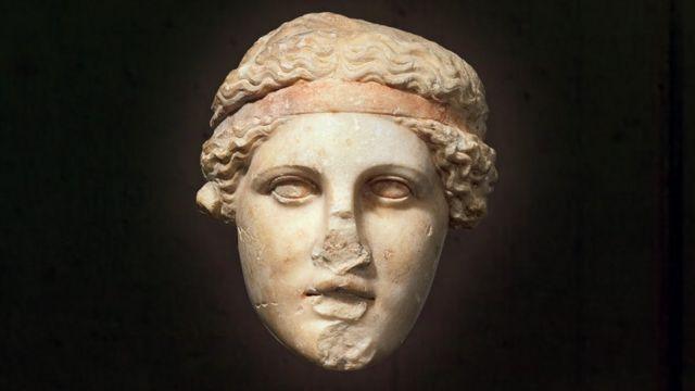Copia romana de un busto griego