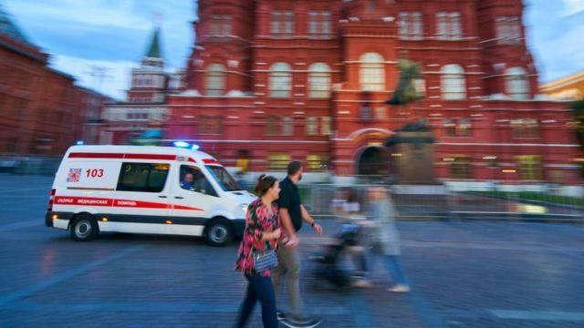 Скорая помощь на Манежной площади в Москве