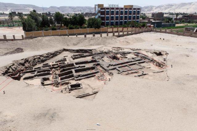 حديثا أعلنت وزارة السياحة والآثار المصرية عن اكتشاف ما وصفته