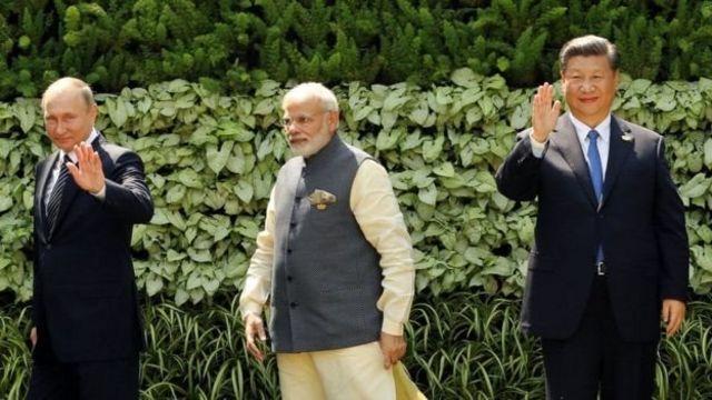 नरेंद्र मोदी, शी जिनपिंग और व्लादिमीर पुतिन के साथ