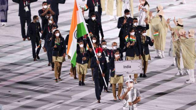 Hindistan takımı geçit töreninde.