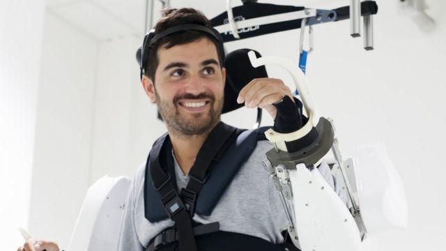 Thibault se quedó paralítico luego de un accidente en el que cayó de una altura de 15 metros.