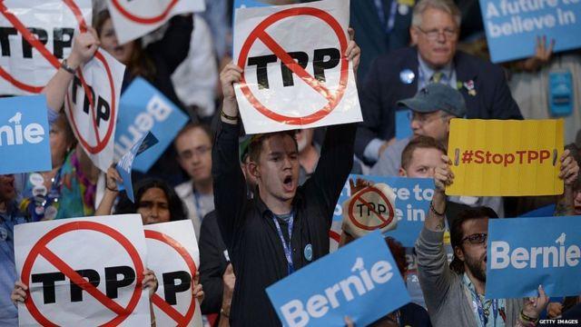 Manifestación en Filadelfia contra el Acuerdo Transpacífico de Cooperación Económica