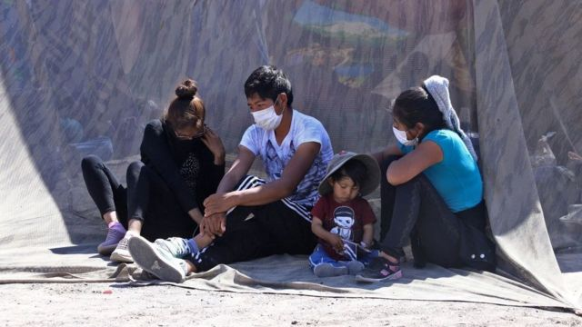 Bolivianos varados