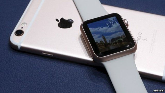 Smartwatch and iPhone