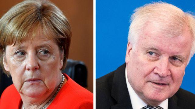 メルケル首相(写真左)はかつての盟友ゼーホーファー内相(同右)と移民対策をめぐって火花を散らした