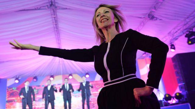 Официальный представитель МИД России Мария Захарова танцует русский народный танец