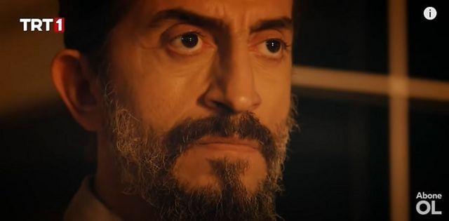 فادی شخصیت شرور در سریال است که برنامهاش ممانعت از بلندپروازی ترکیه است