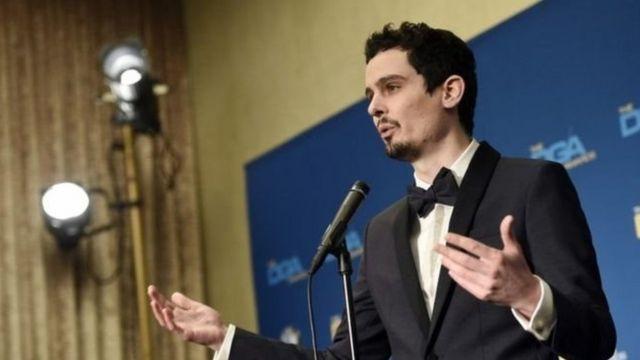 دیمین شزل جایزه بهترین کارگردانی را بخاطر لالالند از انجمن کارگردانان آمریکا دریافت کرد