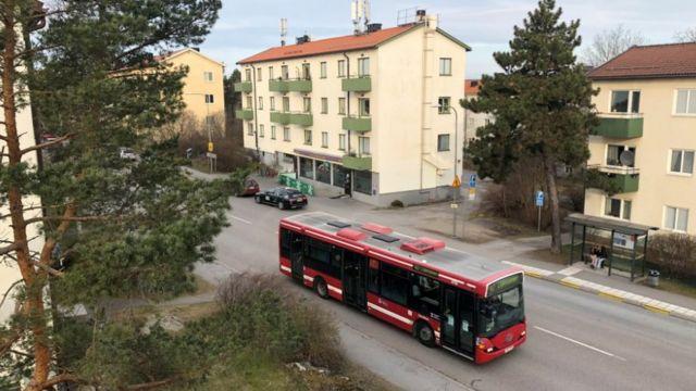 Stockholm'de otobüsler işlemeye devam ediyor fakat sefer sayıları azaltıldı