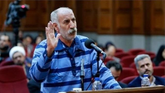 محمد ثلاث اتهام علیه خود را رد کرده و گفته بود راننده اتوبوسی که ماموران را زیر گرفت، نبوده است