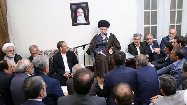 دیدار چند روز پیش رهبر ایران با مقامهای جمهوری اسلامی که در آن تجاوز به حریم شهروندان در پیامرسانها 'حرام' اعلام شد