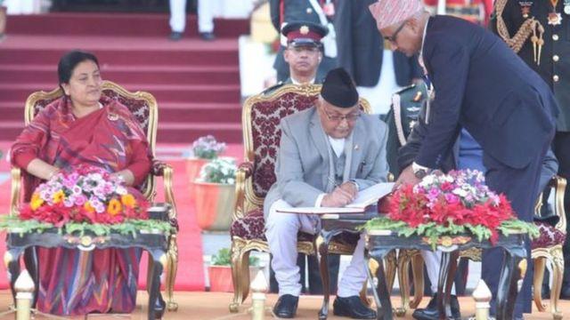 राष्ट्रपति संग ओली