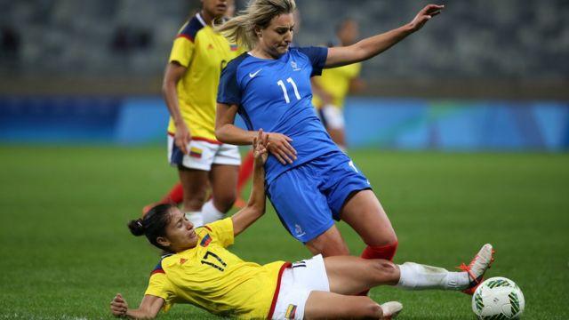 Un lance del partido Francia-Colombia
