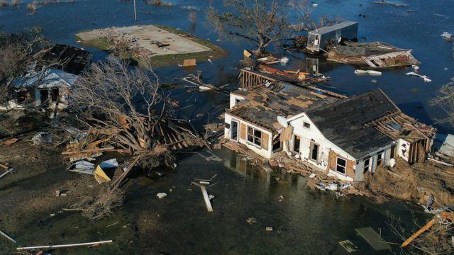Daños causados por huracanes en Luisiana en 2020.